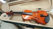 LARK VIOLIN, BOW INCLUDED, 3/4 SIZE, IN PADDED GREEN AND TAN CASE